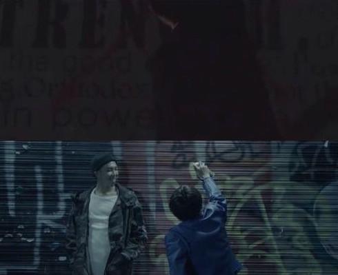 Bangtan BTS Begins Live Trilogy 2015 HYHH Run V Kim Taehyung RM Kim Namjoon grafitti theory
