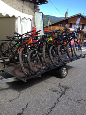 Bikes nicely attached on the shuttle trailer