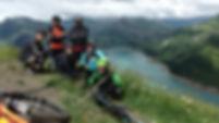 Clients contents sur la crête de Roche Parstire - VTT Enduro Beaufortain