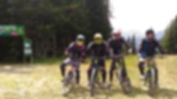 Cours de VTT de descente dans le Bike park des Saisies