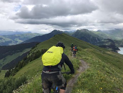 Dutch clients riding the ridgeline