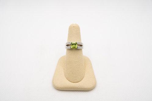18K Peridot & Diamond Ring