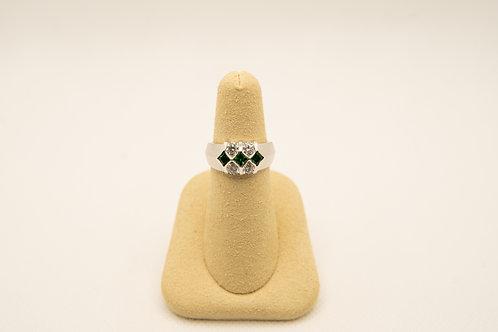 Fashion Ring with Green Garnets