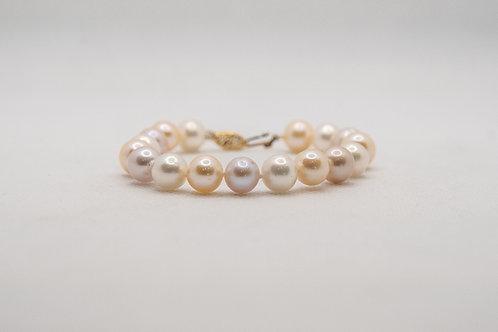 14K Yellow gold Lave Pearl Bracelet