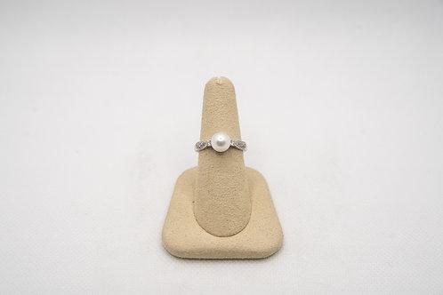 14K White Gold Pearl & Diamond Ring4