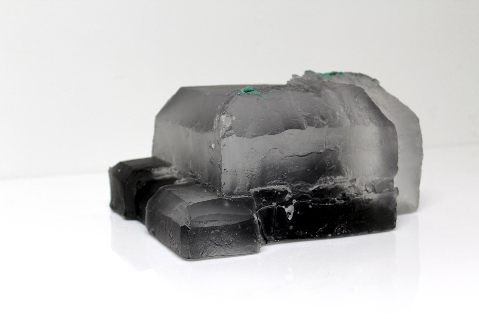 pâte de verre gris et incolore, 27 x 21 x 13 cm 2/5, 2018