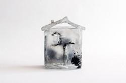 Petite maison, pâte de verre et gravure, 2012