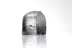 Maisonnette, pâte de verre et gravure, 2012