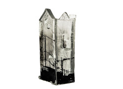 Citadelle en construction, pâte de verre, sérigraphie, 2014