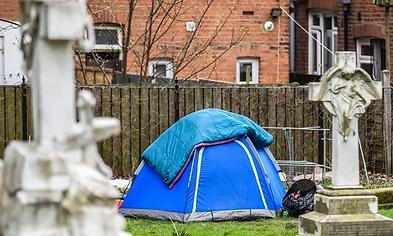 tent homeless.webp