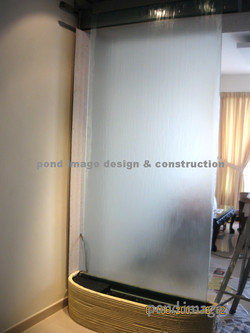 Glass waterwall