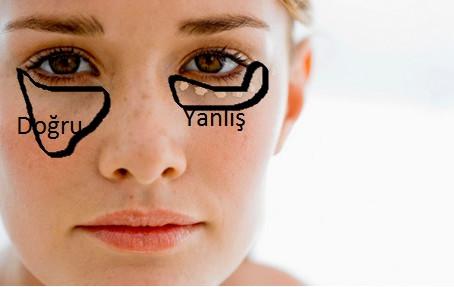 Göz altı morlukları için kapatıcıyı doğru mu uyguluyorsunuz?