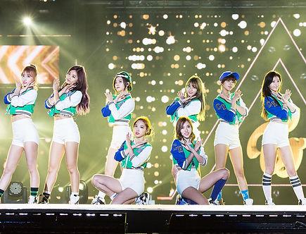 twice-kpop-2016-billboard-1548.jpg