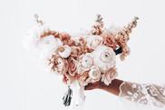 blush and apricot wedding flowers