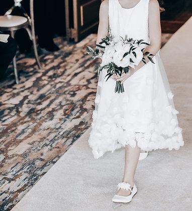 flowergirl posy in seasonal whites