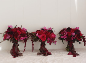 bridal bouquet red pink