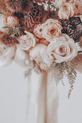 bouquet of quicksand roses