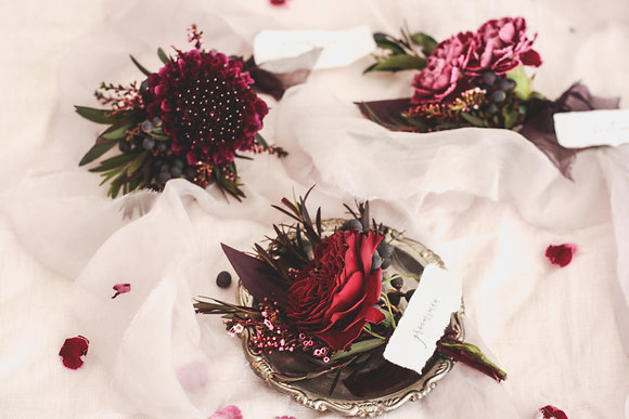 burgundy buttonholes