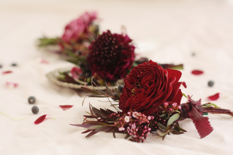 red buttonholes