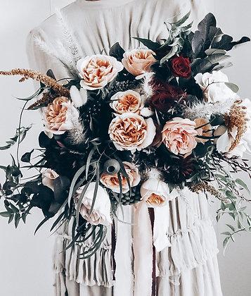 bridal bouquet in autumnal tones