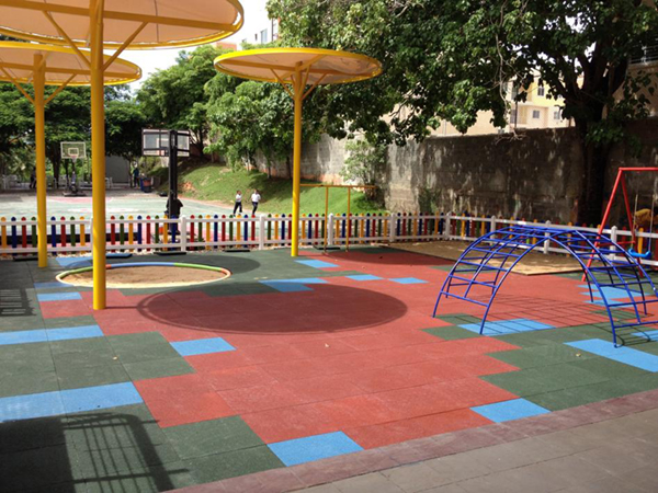 Rubberflex XTR tiles Colegio Cemep