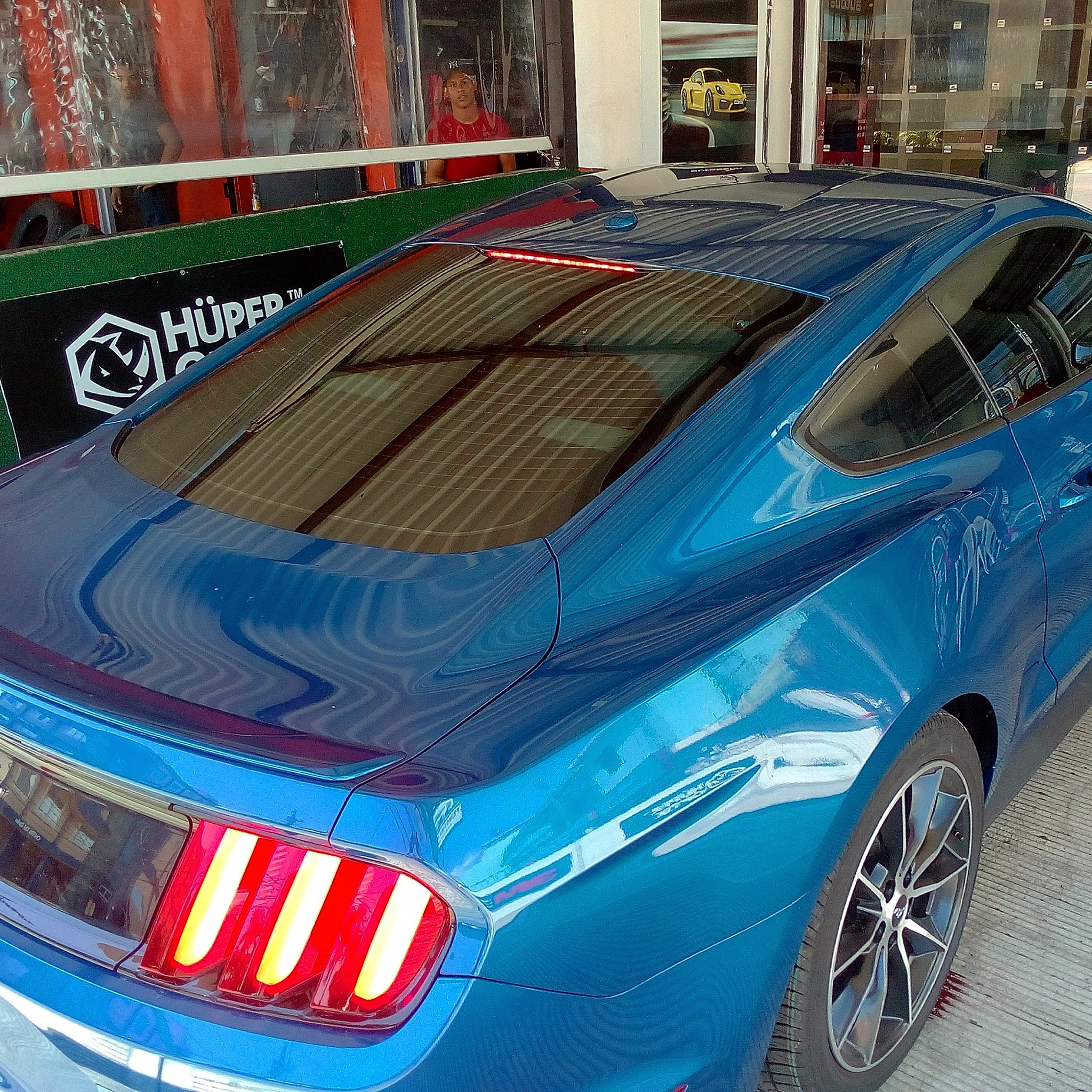 Laminado Performa Ceramic IR Plus en Ford Mustang
