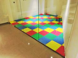 Piso de EVA Supermat Playmat en sala de juegos