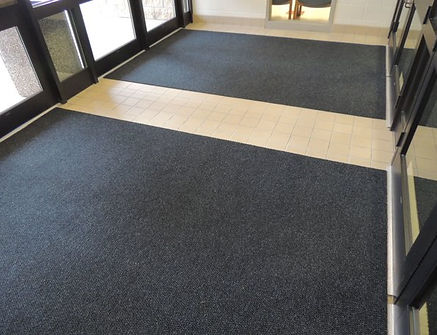 Alfombras Supermat 420 Aqua en entrada lobby