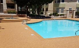 Piso de caucho Rubberflex en piscina