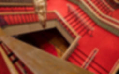 Alfombra en escalera para teatro