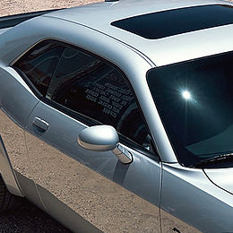 Laminado 3M Obsidian oscuro instalado en auto
