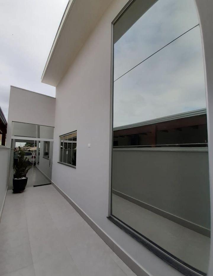 Laminado reflectivo Performa Ecovision en fachada de oficina
