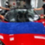 Laminado Cleraplex en parabrisas de auto deportivo
