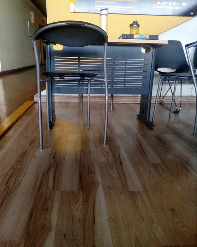 Instalación piso laminado de madera Clas