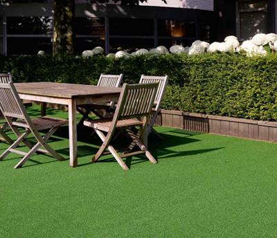 Grama artificial Edge en patio