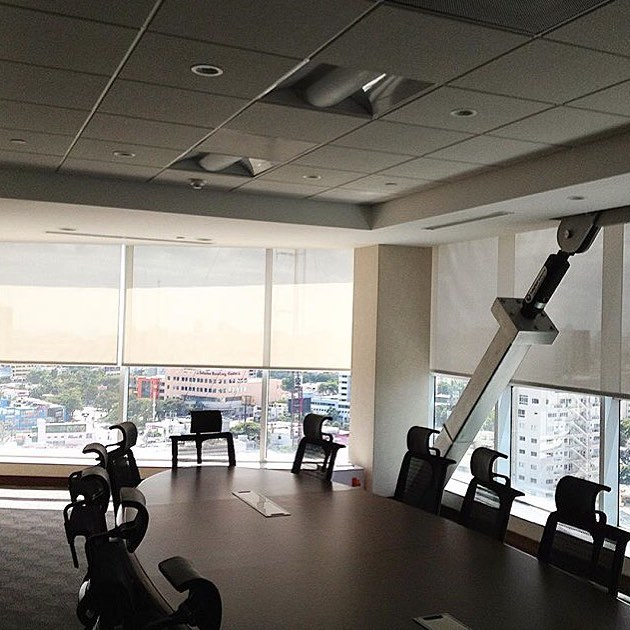 #Throw🔙 Instalación de cortinas enrolla