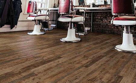 Piso de vinil Coretec Pro Comercial en barbería