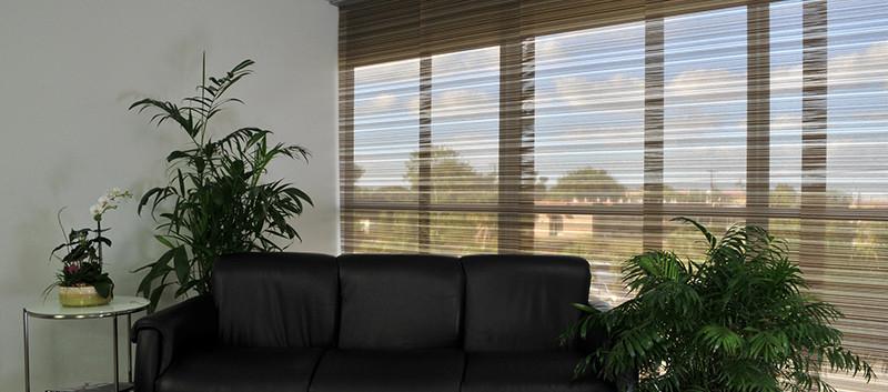 Panel deslizante japonés en sala de espera