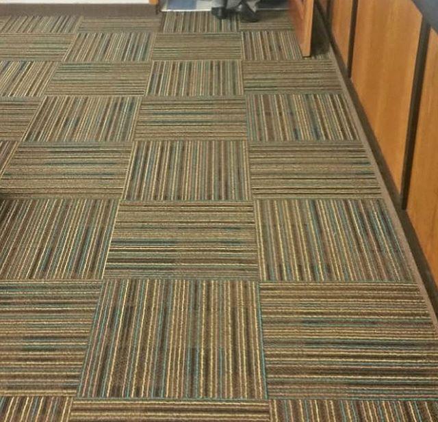 Instalación de alfombra modular Interfac