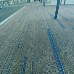 Instalación alfombra comercial Interface