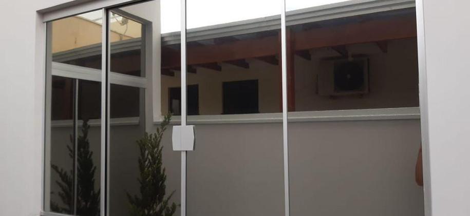 Laminado para el calor y privacidad en ventanas
