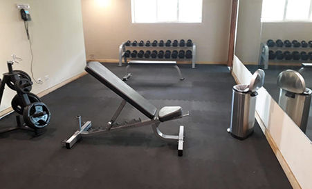 Piso de gimnasio en uso residencial