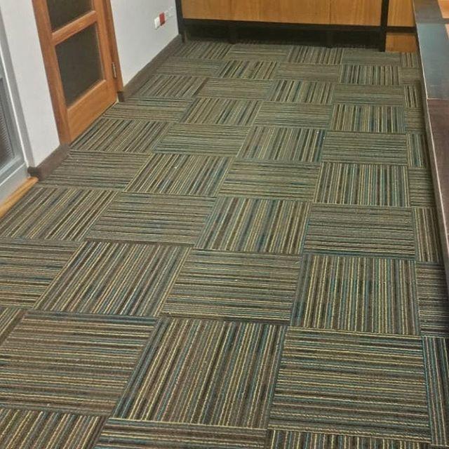 #trow🔙  Instalación de alfombra modular