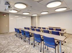 Alfombra Mohawk Group en salón de reuniones