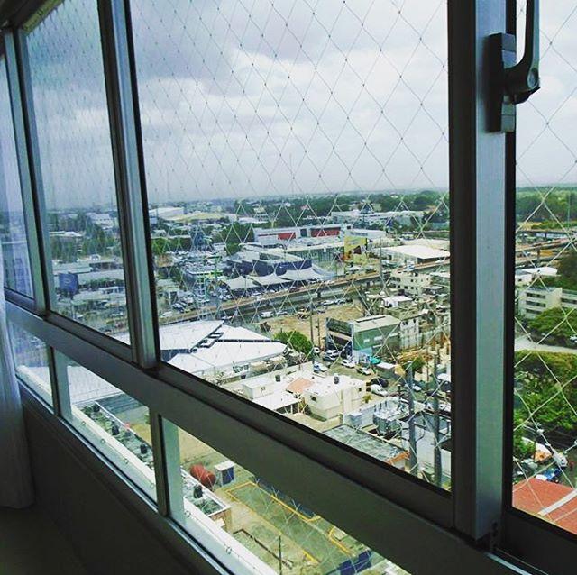 Laminado para el calor Huper Optik 50 en apartamento en Paraíso, Santo Domingo