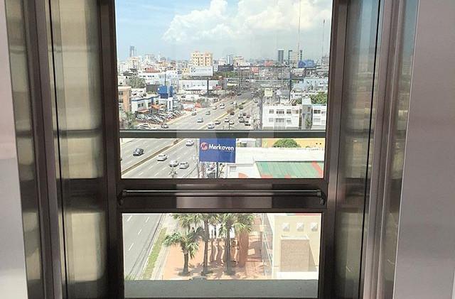 Huper Optik Select Drei en ascensor Torre Corporativa 27 de Febrero