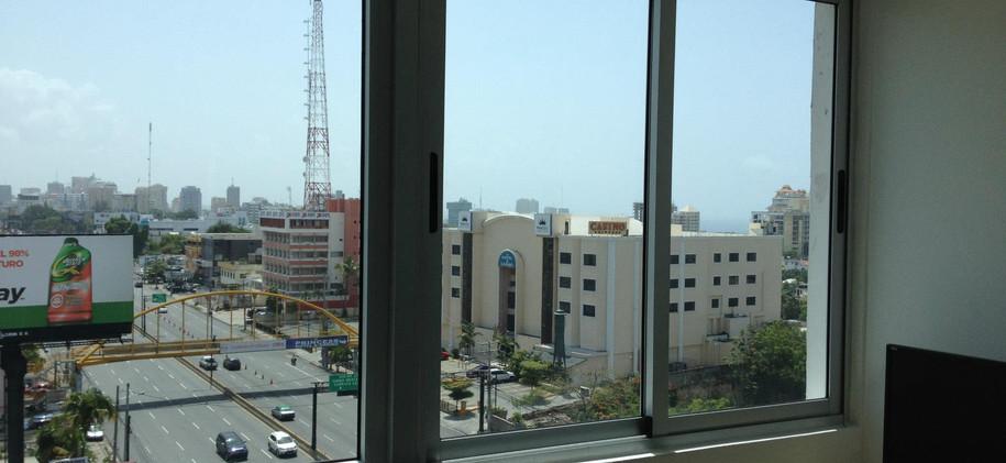 Laminado Huper Optik Ceramic 50 en oficinas Torre KM, 27 de Febrero, Santo Domingo