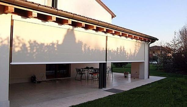 Cortina de exterior en terraza residencial