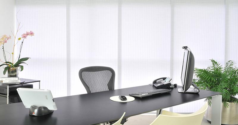 Panel deslizante Ibiza en oficina