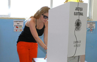 Mulheres são maioria no montante de 148 milhões de eleitores aptos a votarem